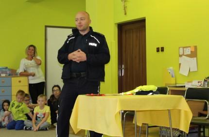 Wizyta policjanta wnaszym przedszkolu